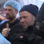 Thumbs up fyrir Máa og Bjögga á fundi Samherja á Dalvík. Meðvirki ofbeldisþolinn. Skjáskot úr myndbandi.